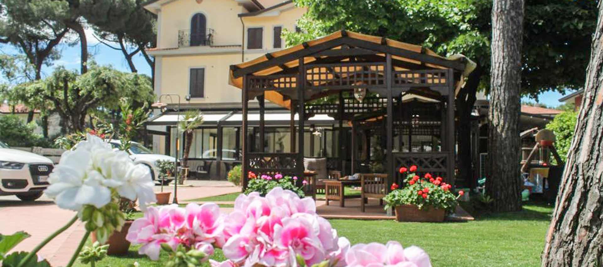 Hotel Virginia Marina di Massa, Toscana